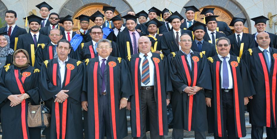 د. أشرف الشيحي رئيس الجامعة يعلن عن دراسة لإنشاء برنامج جديد لهندسة الفضاء بكلية