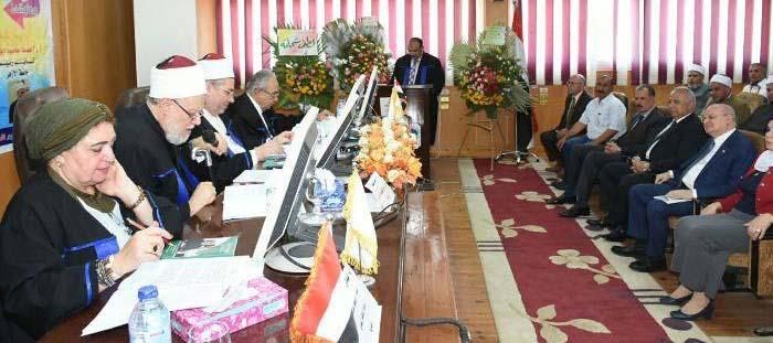 محافظ الشرقية يحضر مناقشة رسالة الدكتوراه المقدمة من الباحث/ أحمد أحمد عبده.