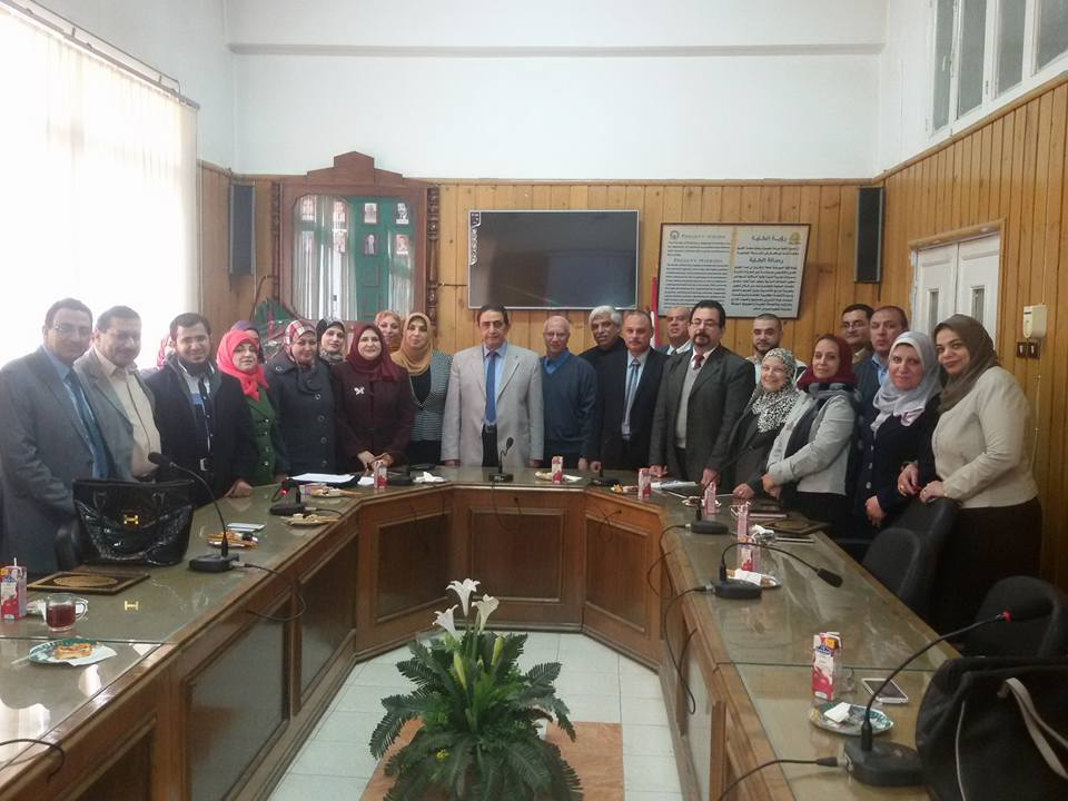 Graduates celebrate pharmaceutical Zagazig Association Bachiadelh recipients Faramakotheirby session on Monday, 19/12/2016